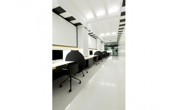 Interior espacio coworking Tiovivo Colaborativo