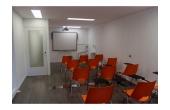 Aula de formación y sala polivalente para yoga