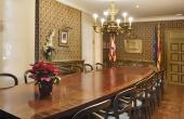 La Sala de reuniones (hasta 18 personas sentadas)